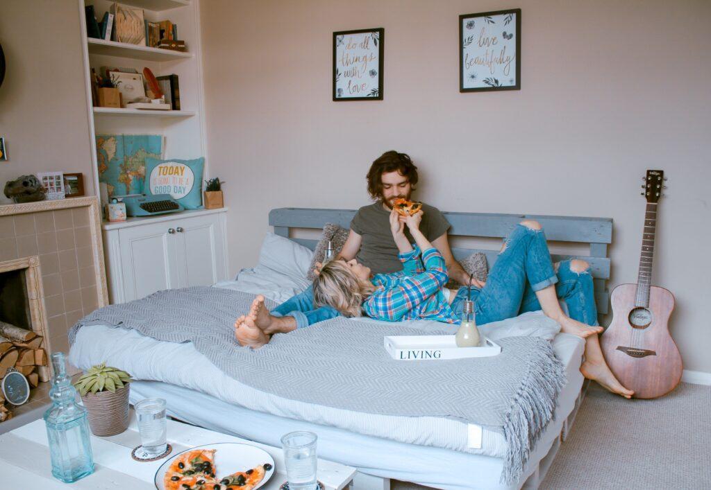 Любовный гороскоп для Женщин-Близнецов Апрель